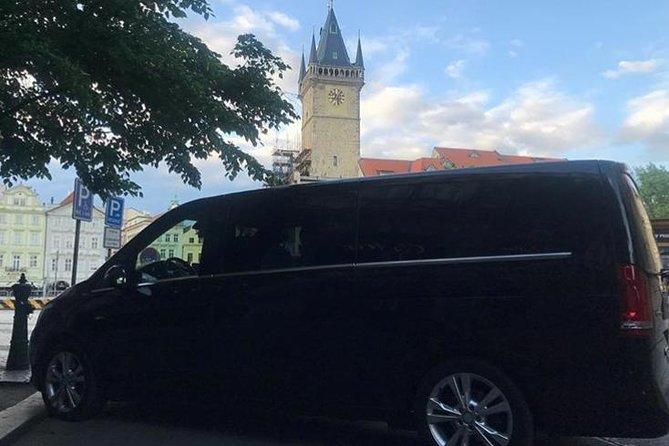 Private Minivan Transfer Door to Door in Prague
