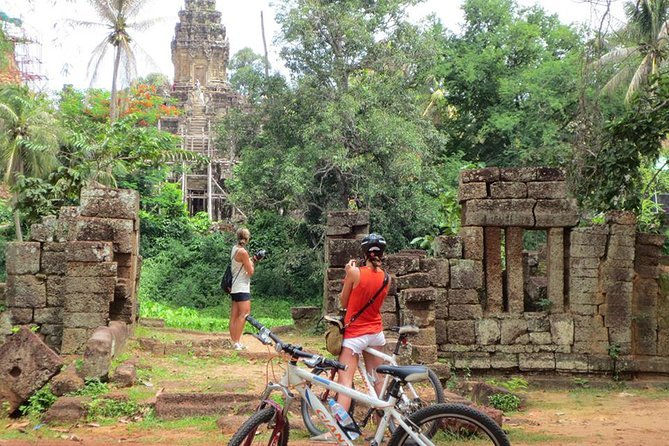 East Corner of Siem Reap: Temples & Countryside