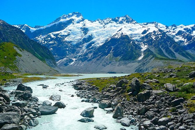 Mount Cook Private Day Tour via Lake Tekapo including Lunch