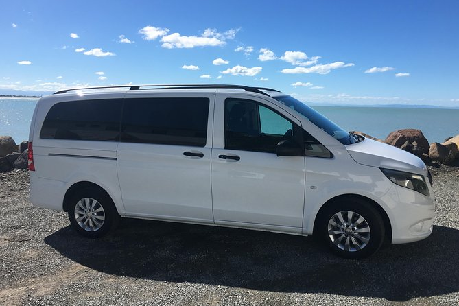 Private Departure Transfer: Central Christchurch to Christchurch Airport