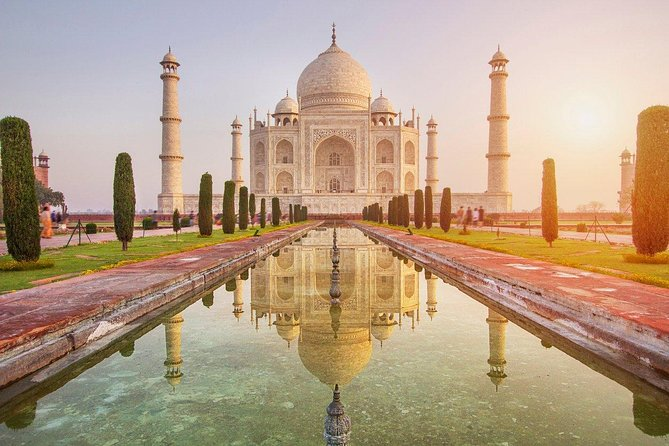Wonders of Agra :TajMahal & Agra Fort Private Same Day Tour by Car from Delhi