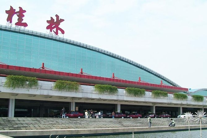 Private Arrival Transfer: Guilin International Airport (KWL) to Downtown Hotel