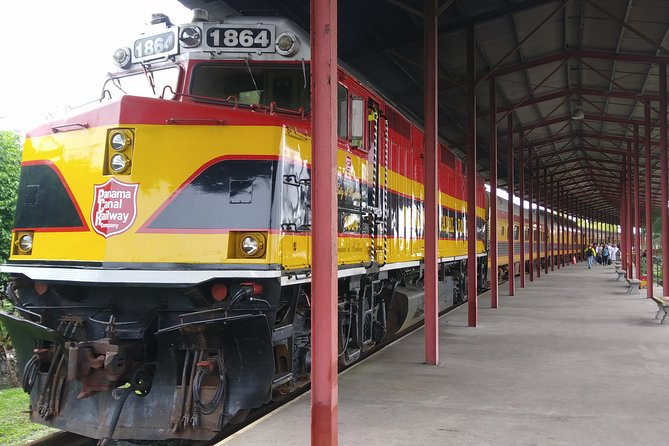 Day Tour Panama Canal, Railway and Monkey Island