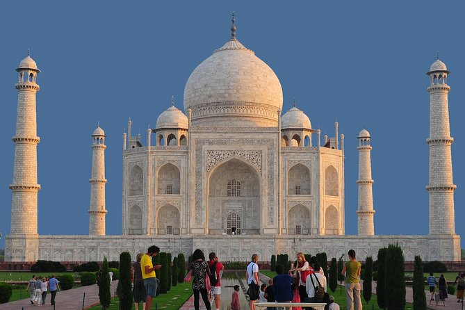 Day Trip to Agra from Delhi Including Taj Mahal and Agra Fort with Lunch