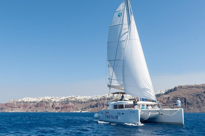 Santorini Small-Group Catamaran Sailing Trip(BBQ,drinks, transfer)