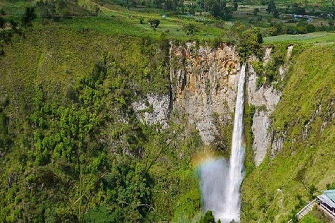 Private Tour: Halfday Brastagi & Sipiso-piso Waterfall Day Tour