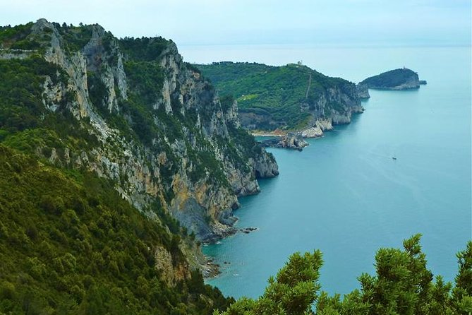 Half Day Small Group Hike to Portovenere with Local Guide