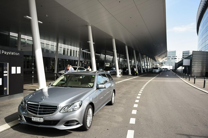 Private Arrival Transfer: from Zurich Airport to Lenzerheide