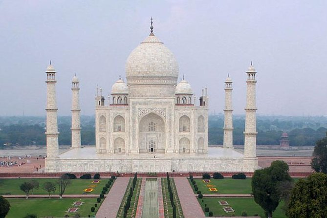 Taj Mahal Trip from Jaipur with Lunch and Guide