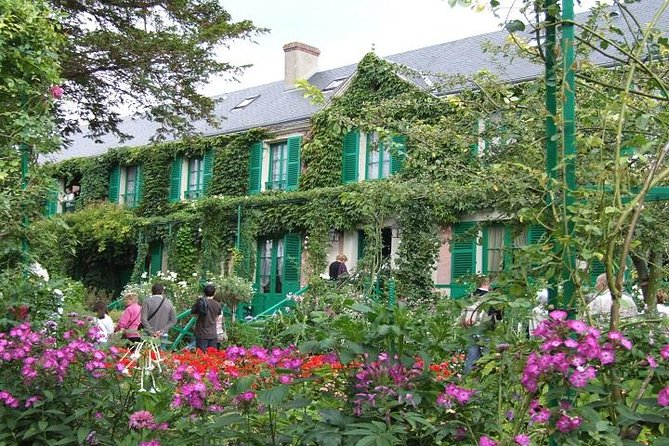 Giverny Monet's House & Gardens Skip-the-Line Ticket & Transfer from Paris