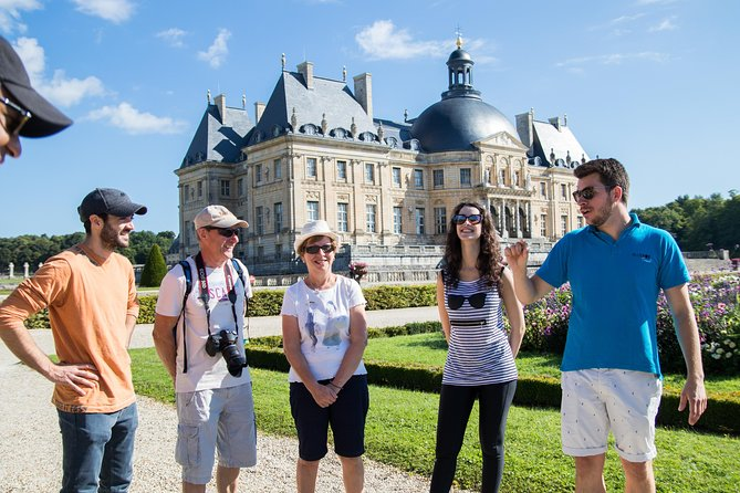 Fontainebleau and Vaux-Le-Vicomte Castle Small-Group Day Trip From Paris