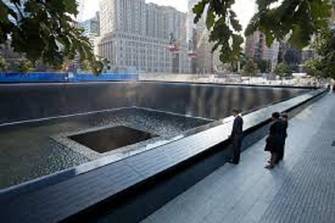 911 Memorial and World Trade Center Walking Tour