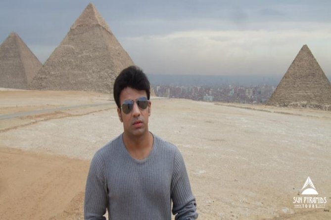 Tour to Pyramids, the Egyptian Museum,Khan Khalili Bazaar and Nile Dinner Cruise