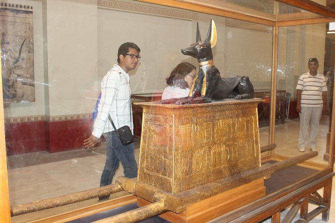 Best day tour to Pyramids of giza & sphinx and The Egyptian Museum
