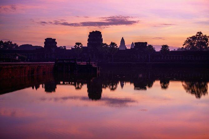 Angkor Wat Sunrise and Angkor Thom Sunset Tour