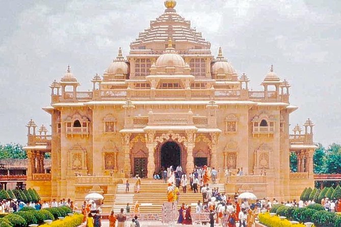 Private Spiritual Delhi Temples Tour with Guide