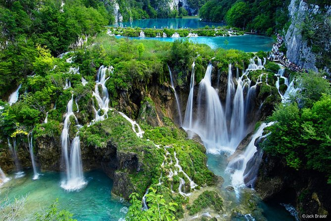 Private transfer from Split to Rovinj with stop at Plitvice Lakes National Park