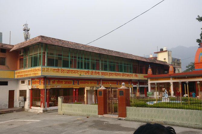 Guided Ashram Tour in Rishikesh with a local - 2 Hours Walking Tour
