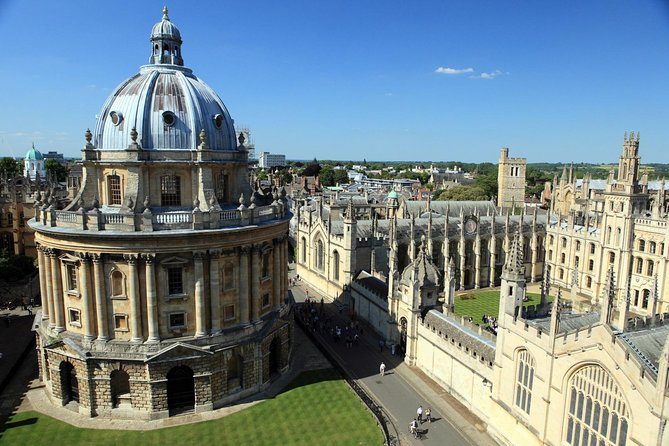 Oxford Day Tour from London with Train Transfers