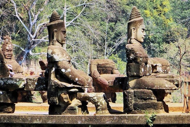 Angkor Wat Three Days Tour with Lunch and Foating Village