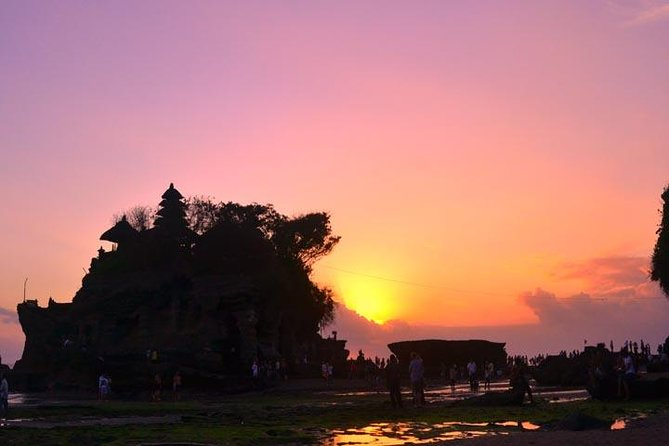 Bali Day-trip Tanah Lot Sunset Tour