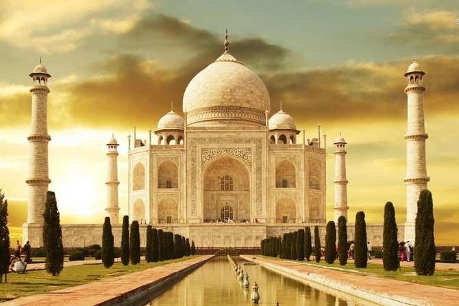 Private Sunrise tour of Taj Mahal and Agra fort