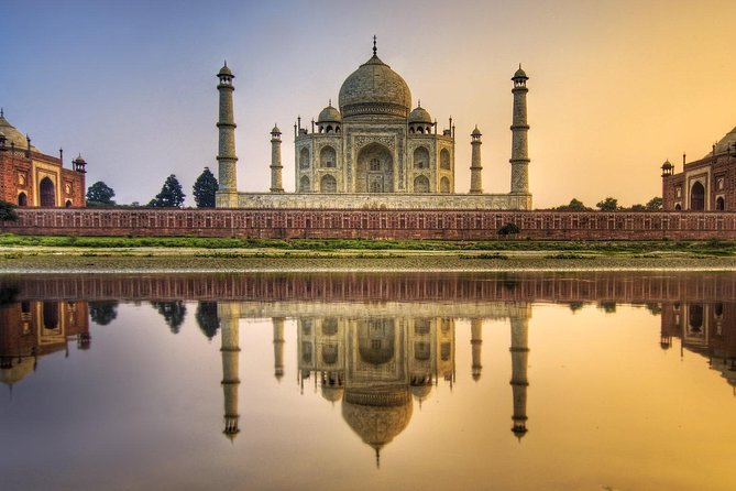 Exclusive Sunrise tour of Taj Mahal and Agra fort from Delhi