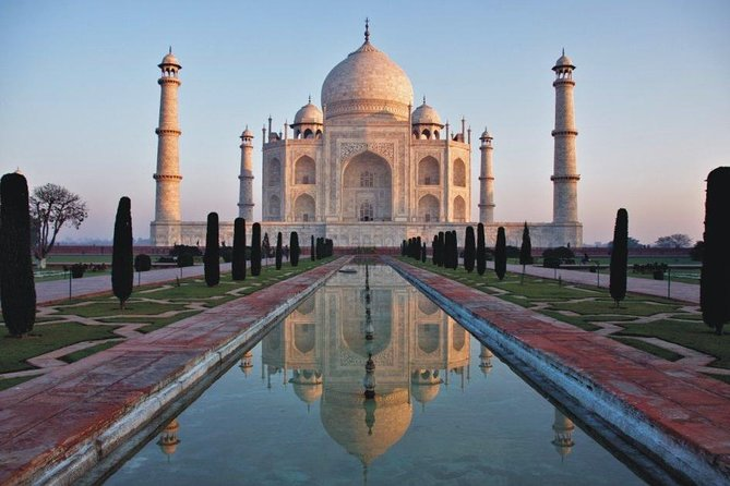 Taj Mahal private tour from Delhi with lunch & entrance fee