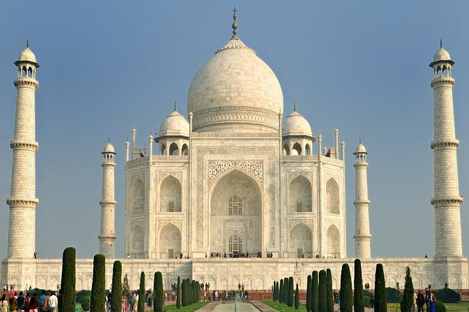 Taj Mahal private tour with lunch & entrance fee from Delhi