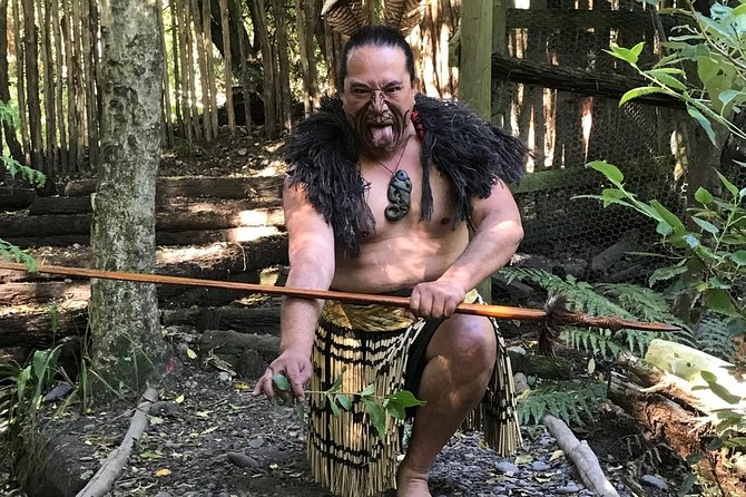 Ko Tane Maori Performance & Guided Kiwi Tour