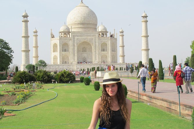 Agra tour by all India tourist permit (Government approved cars)
