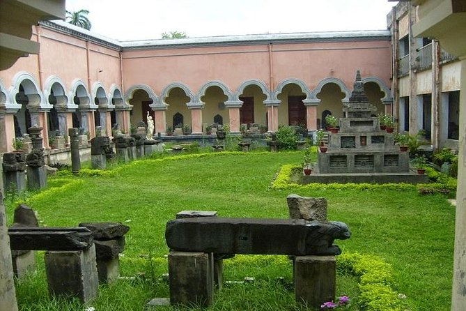 Private Tour: Rajshahi Day Tour of Chhoto Sona Mosque and Varendra Research Museum