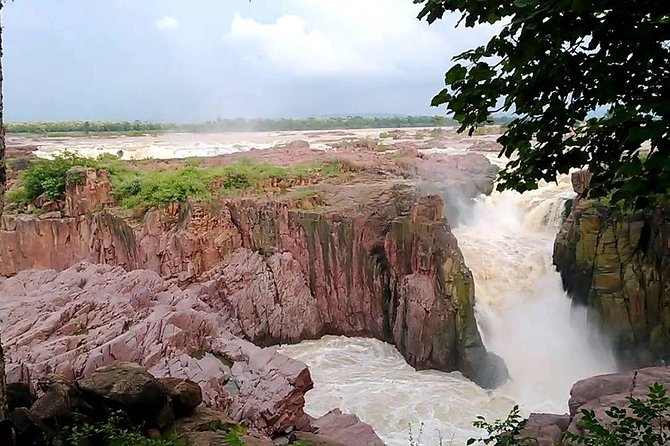 Private 5-Hour Safari from Khajuraho to Raneh Falls Canyon