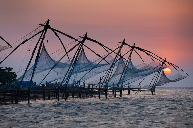 Kochi Sunrise Backwater Cruise and Breakfast with Local