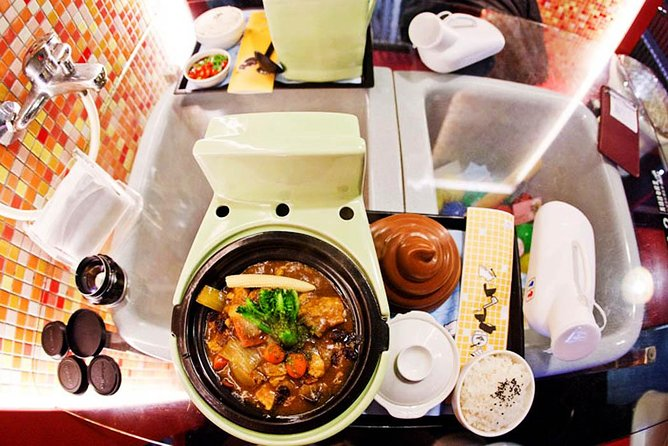 Private Tour: Ximending Walking Tour and Modern Toilet Restaurant Experience