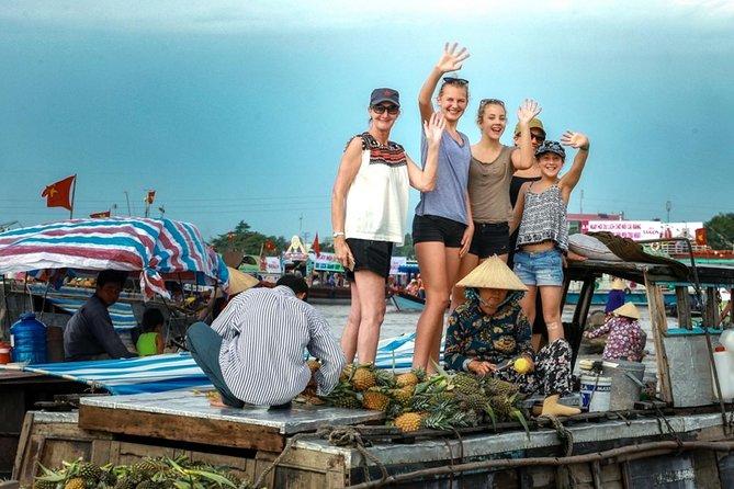 ホーチミン市からの2日間の浮遊市場小グループツアー