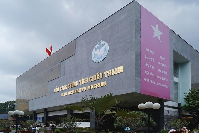 Daily Small Group Tour to Saigon City and Cu Chi Tunnels