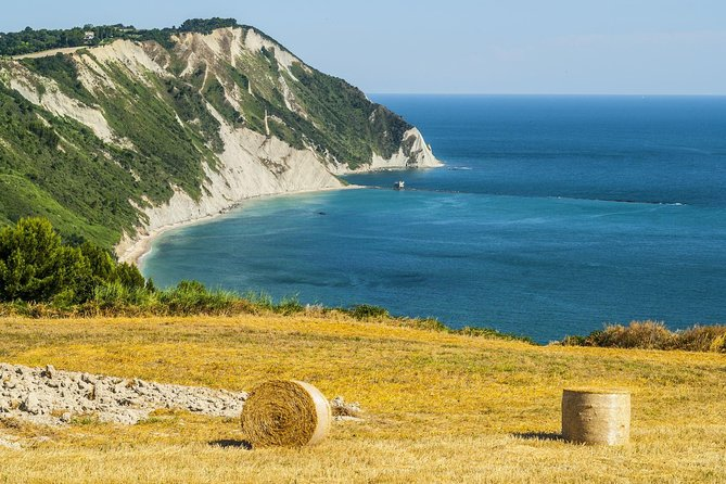 Marche walking holiday between Mounts and sea