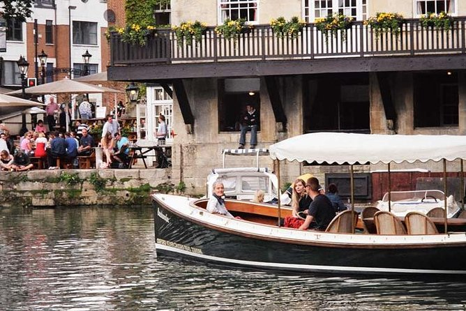 Oxford Evening Sightseeing Cruise Including a Drink