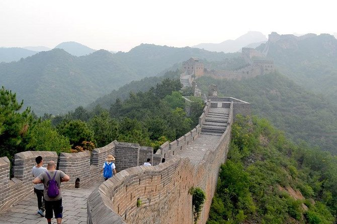 Jinshanling Great Wall Beijing Day Tour with Breakfast and Lunch (No Shopping)