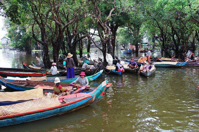 Floating Village Tour (Kampong Phluk)