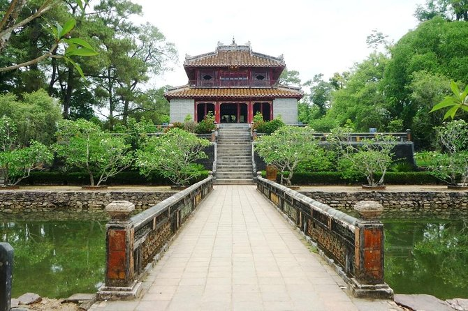 Hue full day guided tour with 5 must see places in Hue