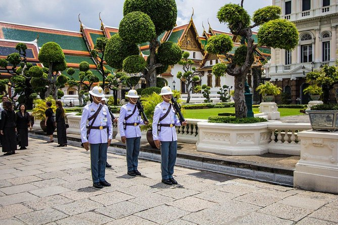 Private Tour : Grand Palace and Emerald Buddha Temple