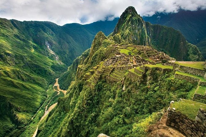 Inca Trail 2 Days to Machupicchu Citadel with Vistadome Train with 3 stars Hotel