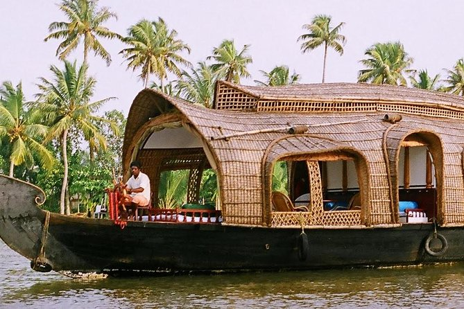 Private 2 Day Tour to Kerala from Chennai with Flight : Houseboat & Cochin Tour