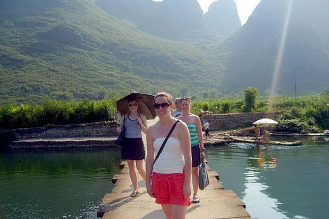 2 Days Guilin Tour with Private Li River Cruise and Yangshuo Countryside Trip