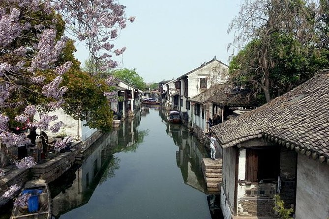 1-Day Private Shanghai to Wuzhen Tour to Admire the Classical Water Town
