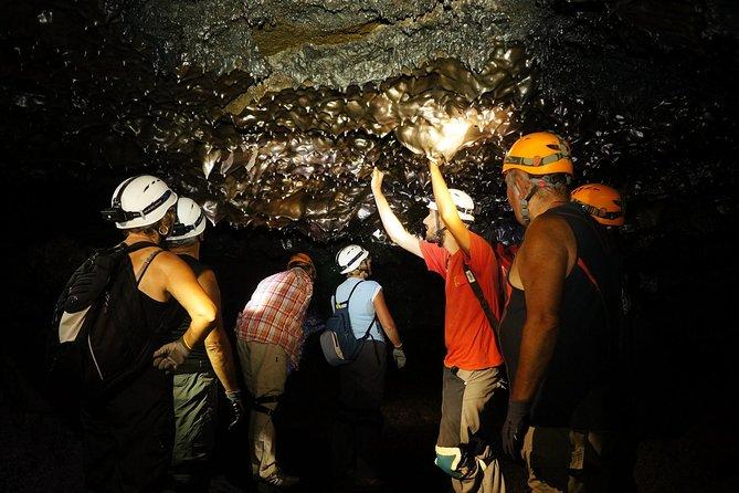 Découverte des tunnels de lave de la coulée 2004 du Piton de la Fournaise