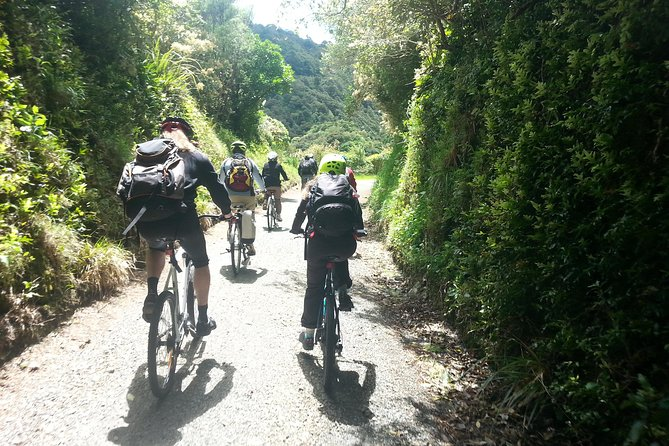 Excursión a la costa de Wellington: Rimutaka Rail Trail Bike Ride