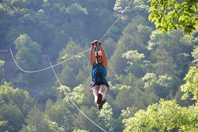 Ridge Runner Zipline Tour in Branson